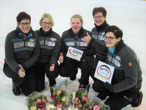 13.01.2019 Buli 2019 2. Spieltag Damen 1 Siegerfoto 2 auf Eis Waldkraiburg