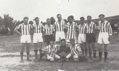 Die 1. Mannschaft des TSV Kühbach 1946