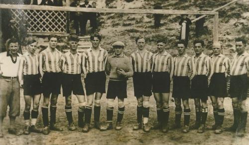 Die erste Fussballmannschaft des TSV Kühbach 1933